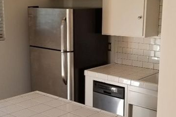 646-W-Imperial-Ave-APT-16-3